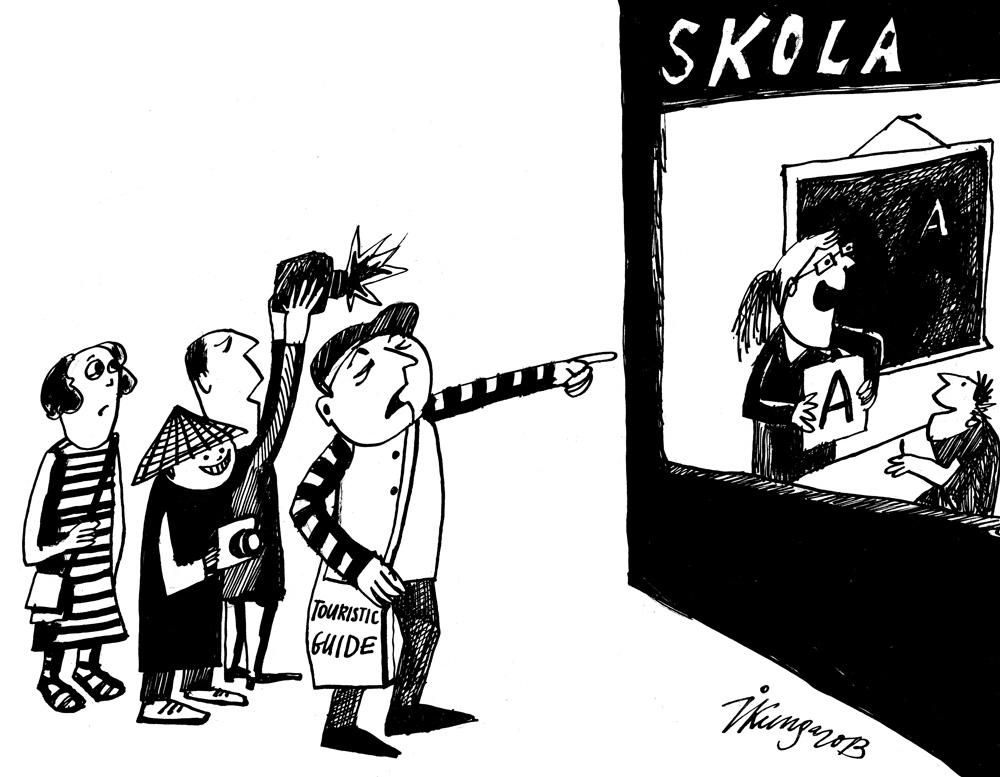 29-08-2013 Tūristu gids: — Tā, skatieties, ir Latvijas skolotāja, kas strādā čakli un par niecīgu samaksu.