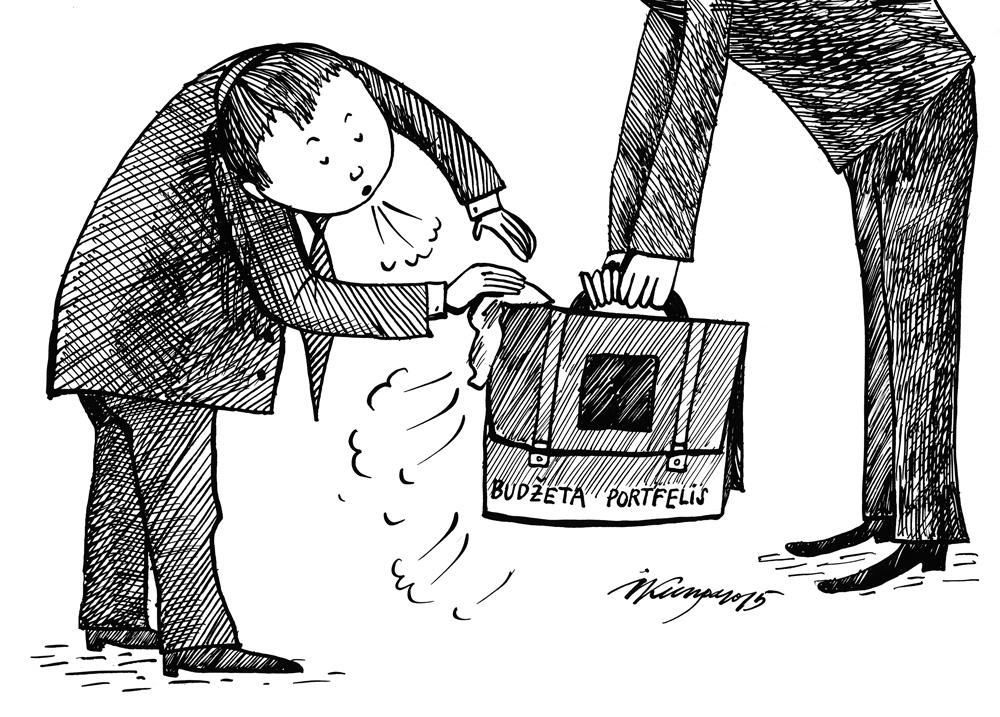 30-09-2015 - Jau 18. reizi gandrīz 3 kg smagais Finanšu ministrijas budžeta portfelis tiek nodots Saeimai.