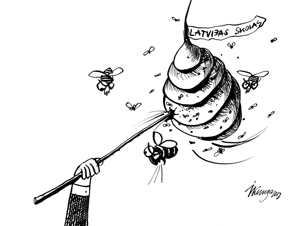 14-11-2012 Ministrs Ķīlis turpina kaitināt tālāk, bakstot kodīgu bišu stropu!